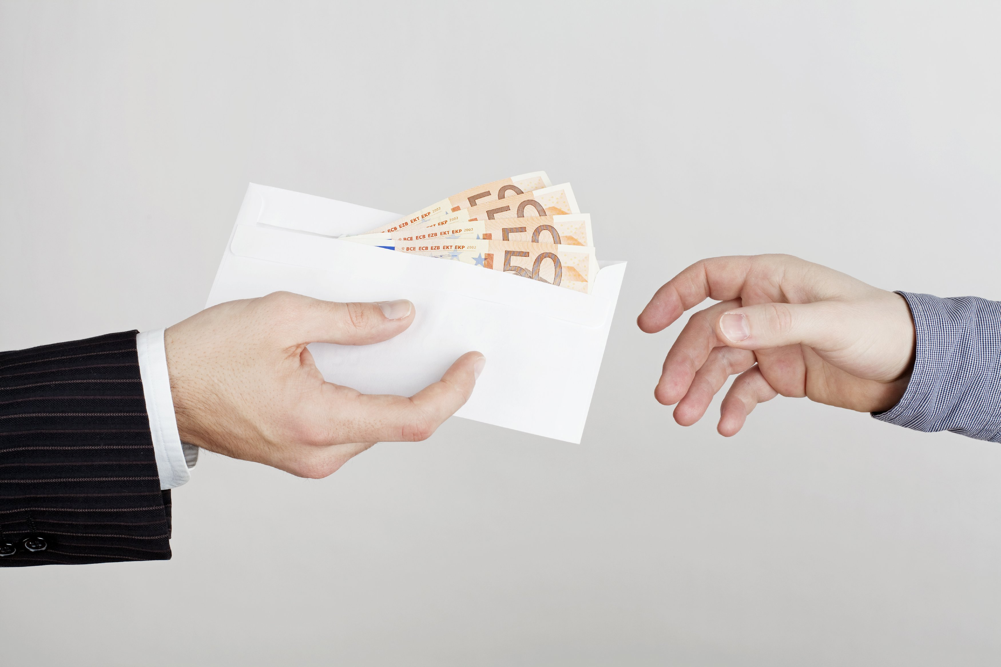 Ненасытный чиновник: извечная дилема нечестных госслужащих
