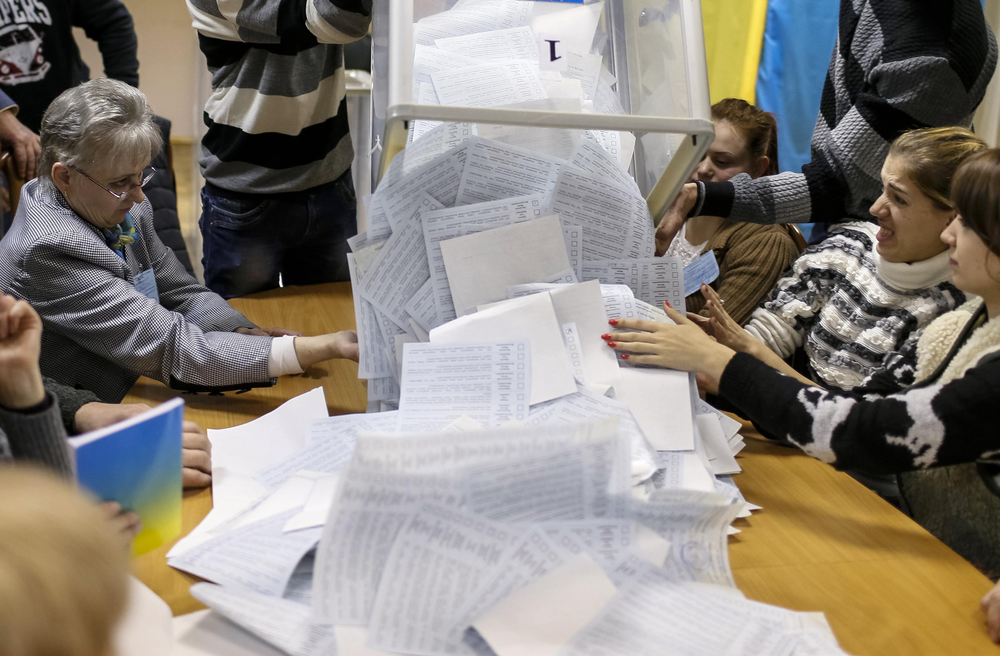 Сотня темных лошадок в Раде, или куда пойдет курс после выборов